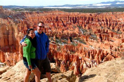 couple at Bryce Canyon Hoodoos