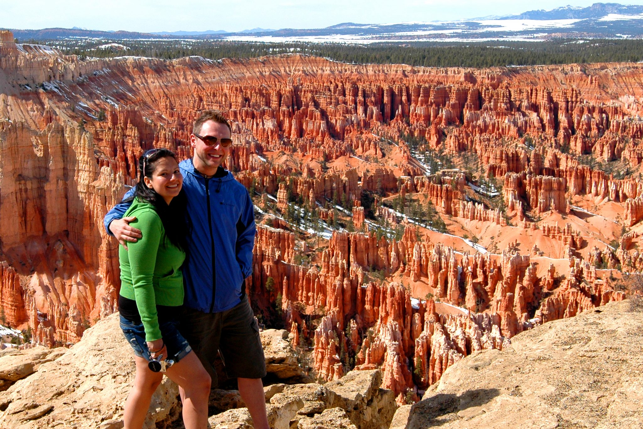 couple at Bryce Canyon Hoodoos
