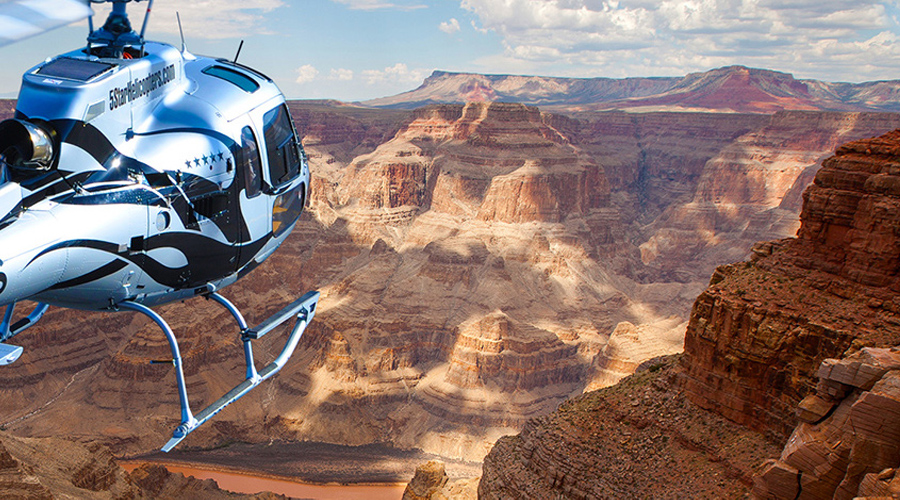 5 Star Helicopter Soaring Over Grand Canyon and Colorado River
