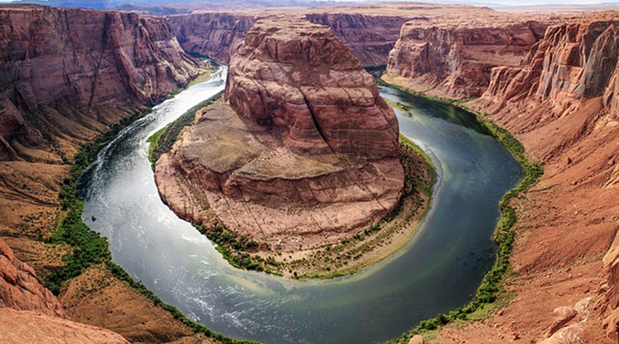 Cliff view of Horseshoe Bend