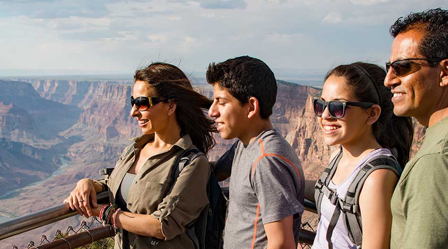 Tourist at Over Look at Grand Canyon
